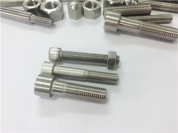 a2-70 / a4-80 alatni ključni vijak