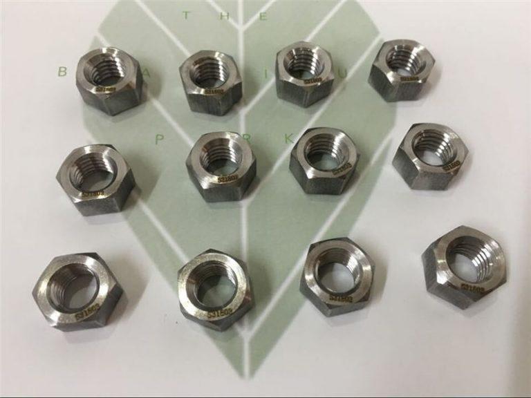 duplex 2205 a182 f51 uns s31803 en1.4462 šesterostrani vijak din933